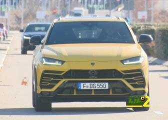 فيديو: بنزيمة يستعرض سيارته الفاخرة قبل مران ريال مدريد
